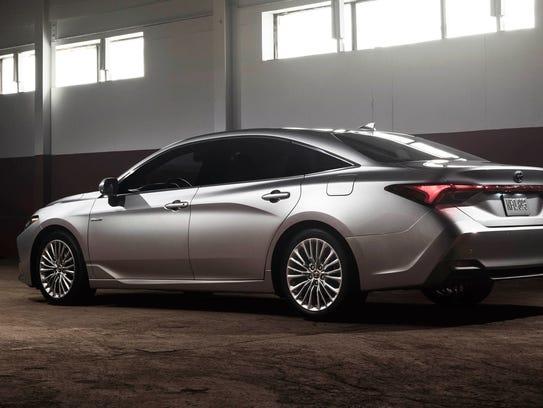 2019 Toyota Avalon Limited hybrid