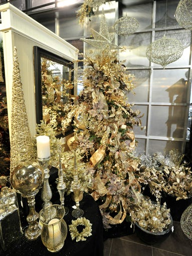 Sparkling Champagne. Homestyle: Decorated Christmas