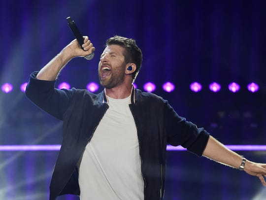 Brett Eldredge will perform at Taste of Country on