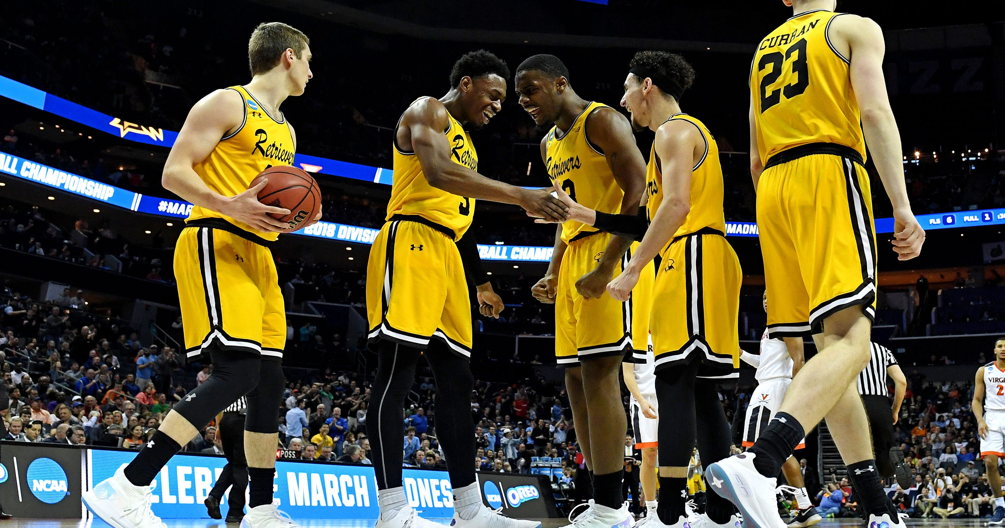 8262bd0205e 2018 NCAA tournament: Stephen Curry hooks UMBC up with new shoes