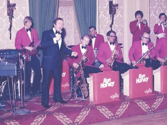 Ron Harvey Orchestra 1967.jpg