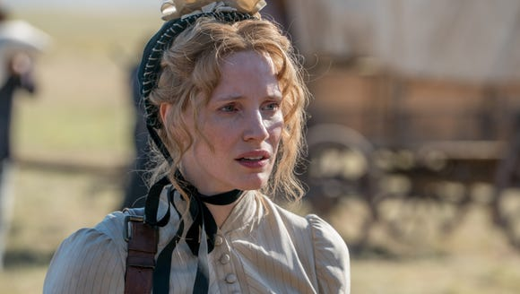Artist Catherine Weldon (Jessica Chastain) is hired