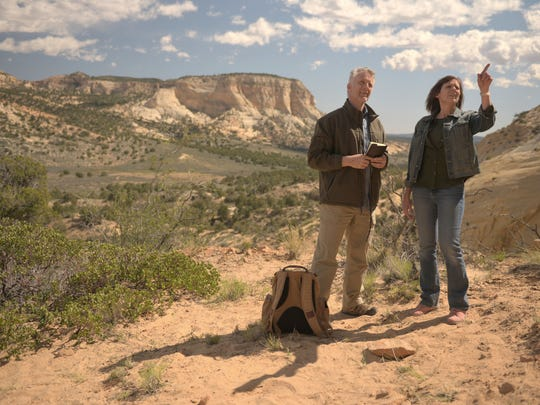 "Scott Wolter, host of H2's ""America Unearthed,"" and Utah-based author Lois Brown explore the desert around Kanab for clues in a search for Montezuma's lost gold."