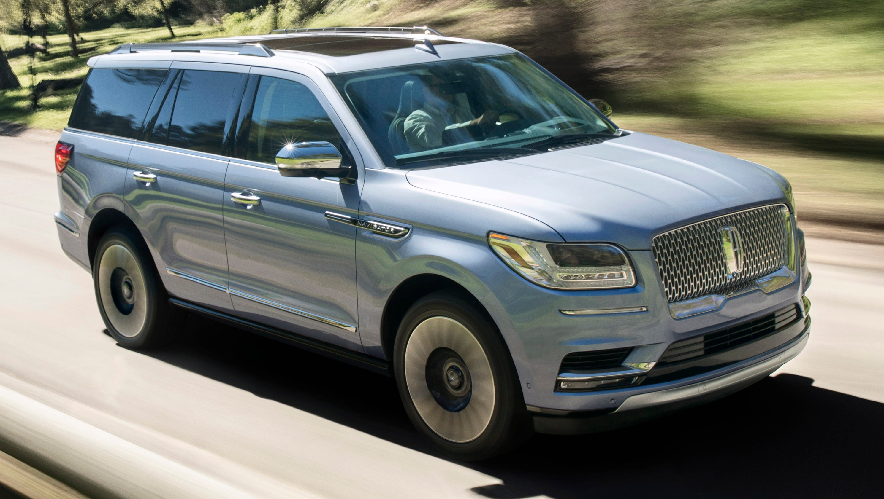 lincoln goes elegant for new navigator suv. Black Bedroom Furniture Sets. Home Design Ideas