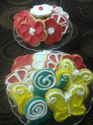 Sue Leonard was known for her frosted cookies at Leonard's Designs in Hortonville.
