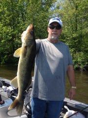 Jeff Venus with a nice walleye