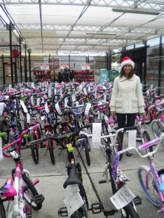 635830127536499084-Salvation-Army-Christmas