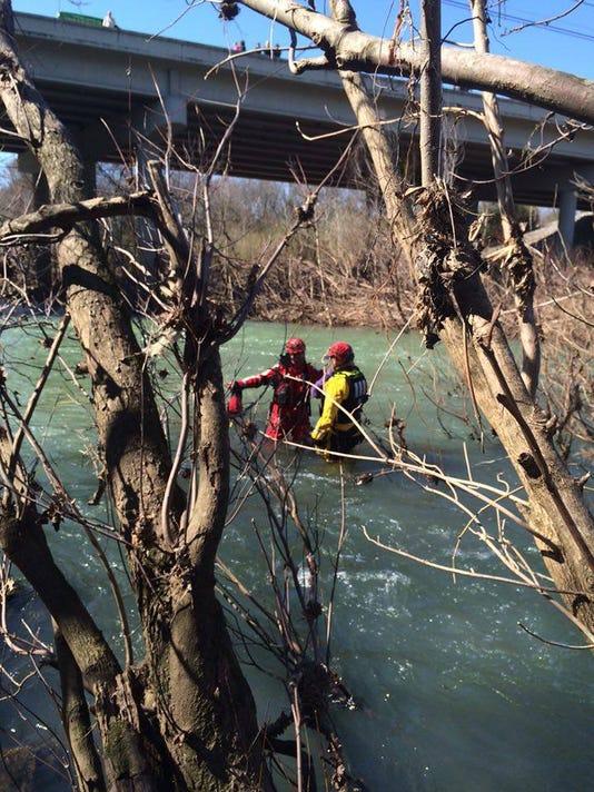 635921877999538664-Walter-Hill-Dam-Rescue-McAdams.jpg