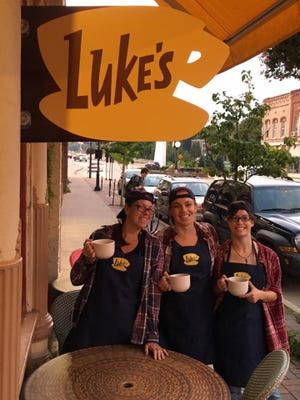 "The crew at Luna Coffee in De Pere put a Luke's Diner spin on business Wednesday morning as one of more than 200 coffeehouses nationwide that celebrated the 16th anniversary of the first episode of TV's ""Gilmore Girls."" Kavarna in downtown Green Bay also participated in the event, which promotes the return of the beloved series to Netflix in November."