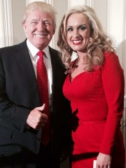 Donald Trump with Tennessee supporter Scottie Nell
