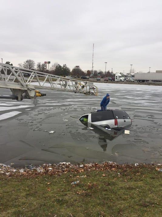 636170644229274094-submerged-car.jpg