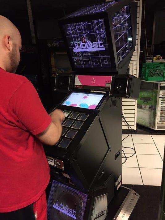 636349573720103604-arcade.jpg