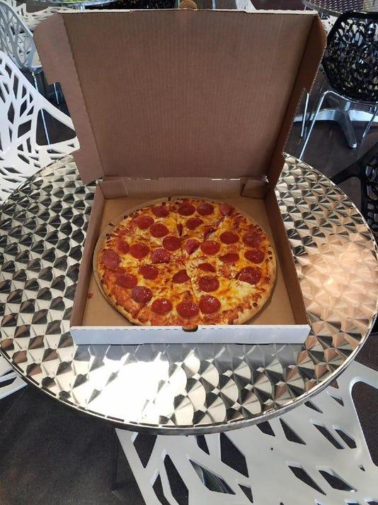 636384144466008400-pizza.jpg