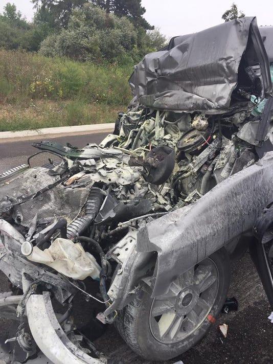 636403921318235848-SLH.crash-2-1-.jpg