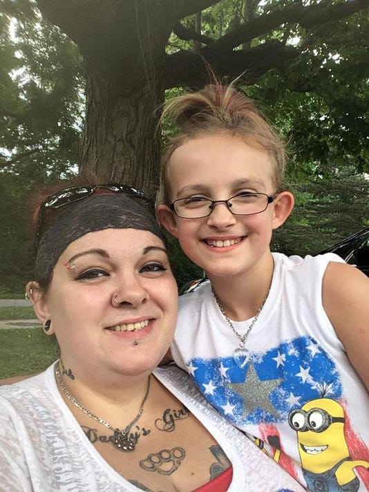 636414178006207533-mom-and-girl-scout.jpg