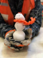A snowman in the hand ...