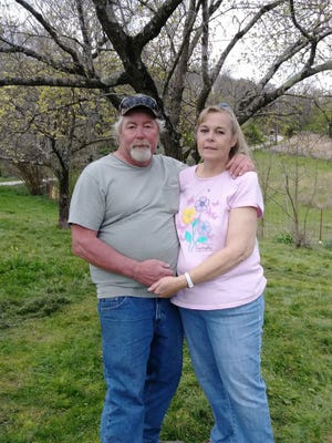 A photo of Leon and Kathy Raymond taken on Easter 2018.
