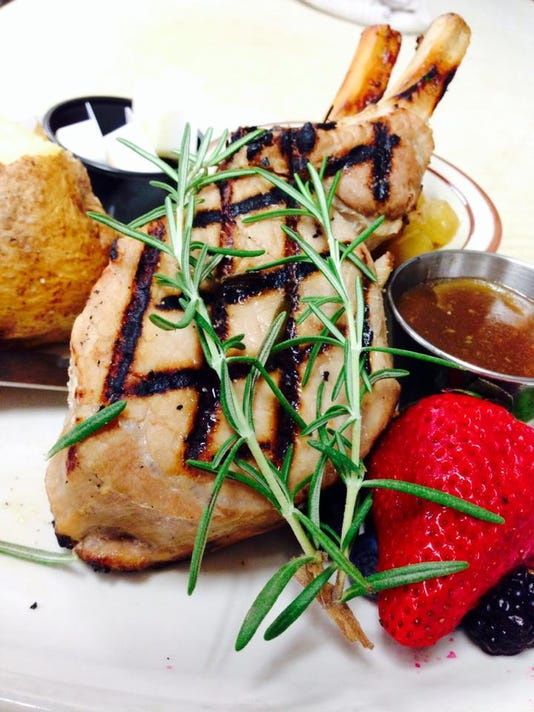 Ferrante-Chef-Special--14oz-Double-Boned-Pork-Chops.jpg