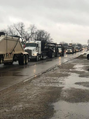 On the morning of Tuesday, Jan. 28, the railroad crossing located on Main Street in Davis was reportedly blocked by a BNSF Railway train for almost an hour, causing traffic to become backed up.