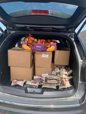 Connect Mobile Food Pantry, an ECKAN agency, works to provide two nutritious meals to struggling families each week while they are in need.