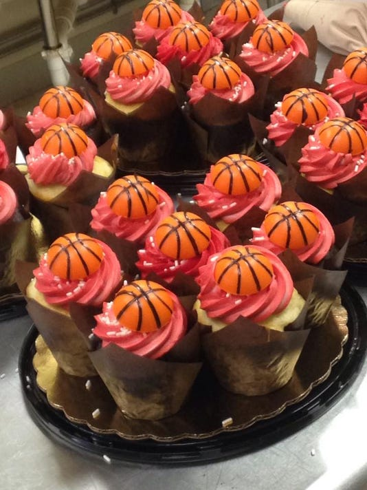 2.5 cupcakes.jpg