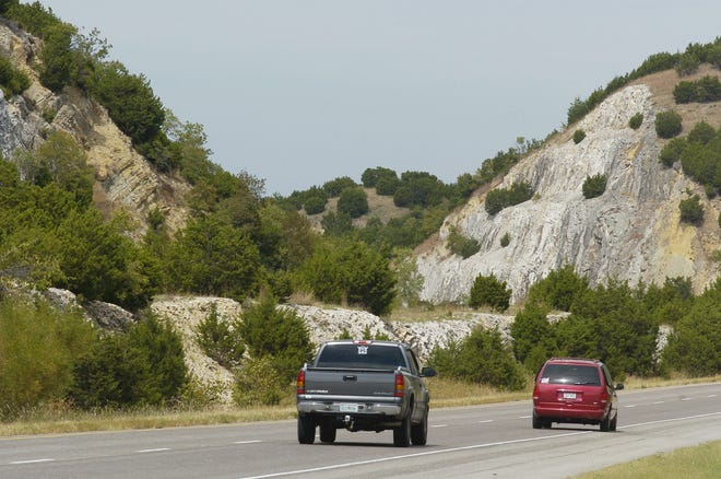 Davis, Oklahoma, Tuesday, 9/28/04. Photos for story by David Zizzo about the Arbuckle Mountains. Road cuts for  I-35 in the Arbuckles.  Staff photo by David McDaniel.