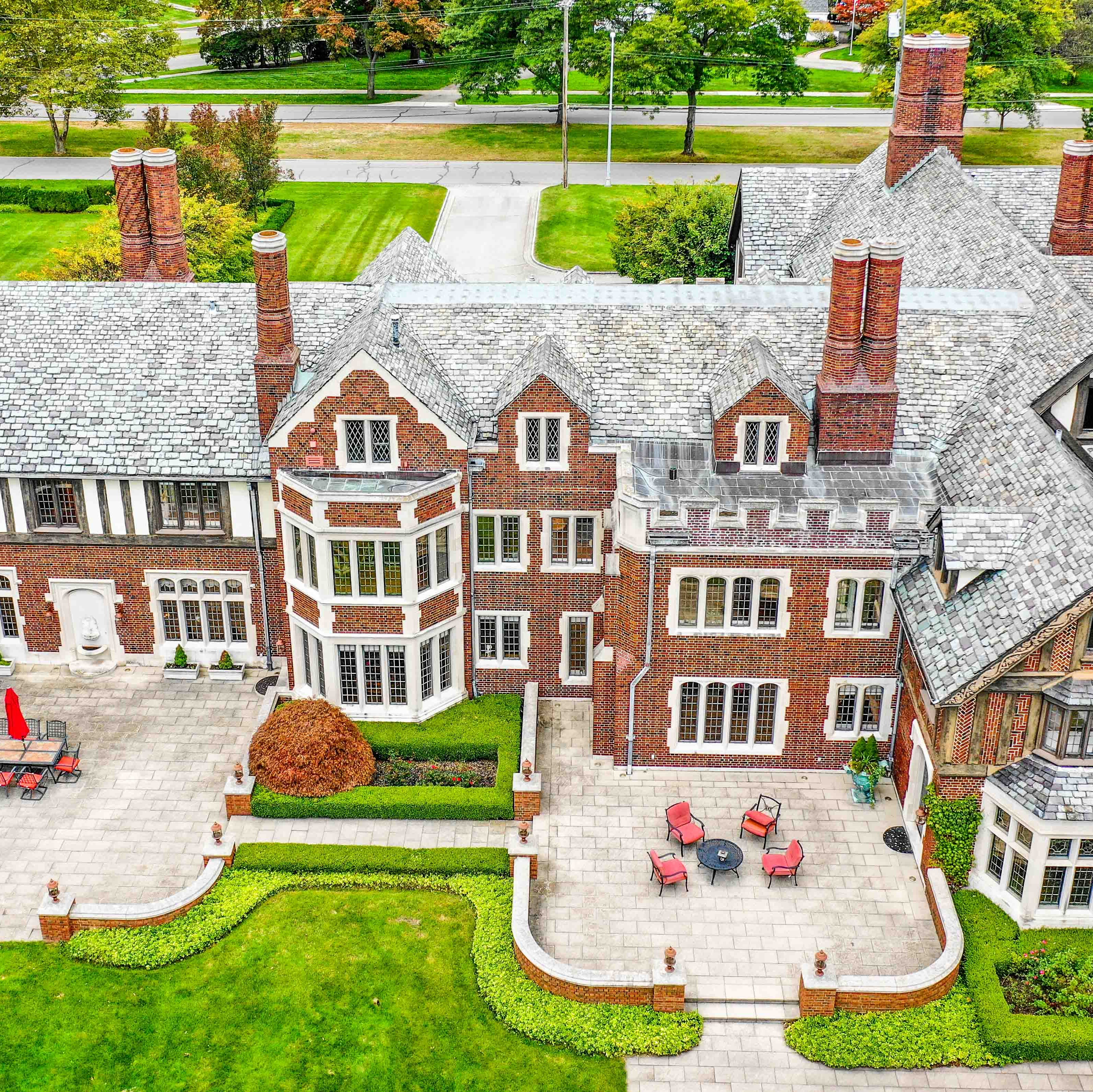 MI Dream Home: Lakefront Grosse Pointe Park estate has wine cellar