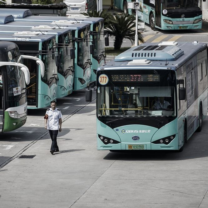In shift to electric bus, It's China ahead of U.S. 421K to 300