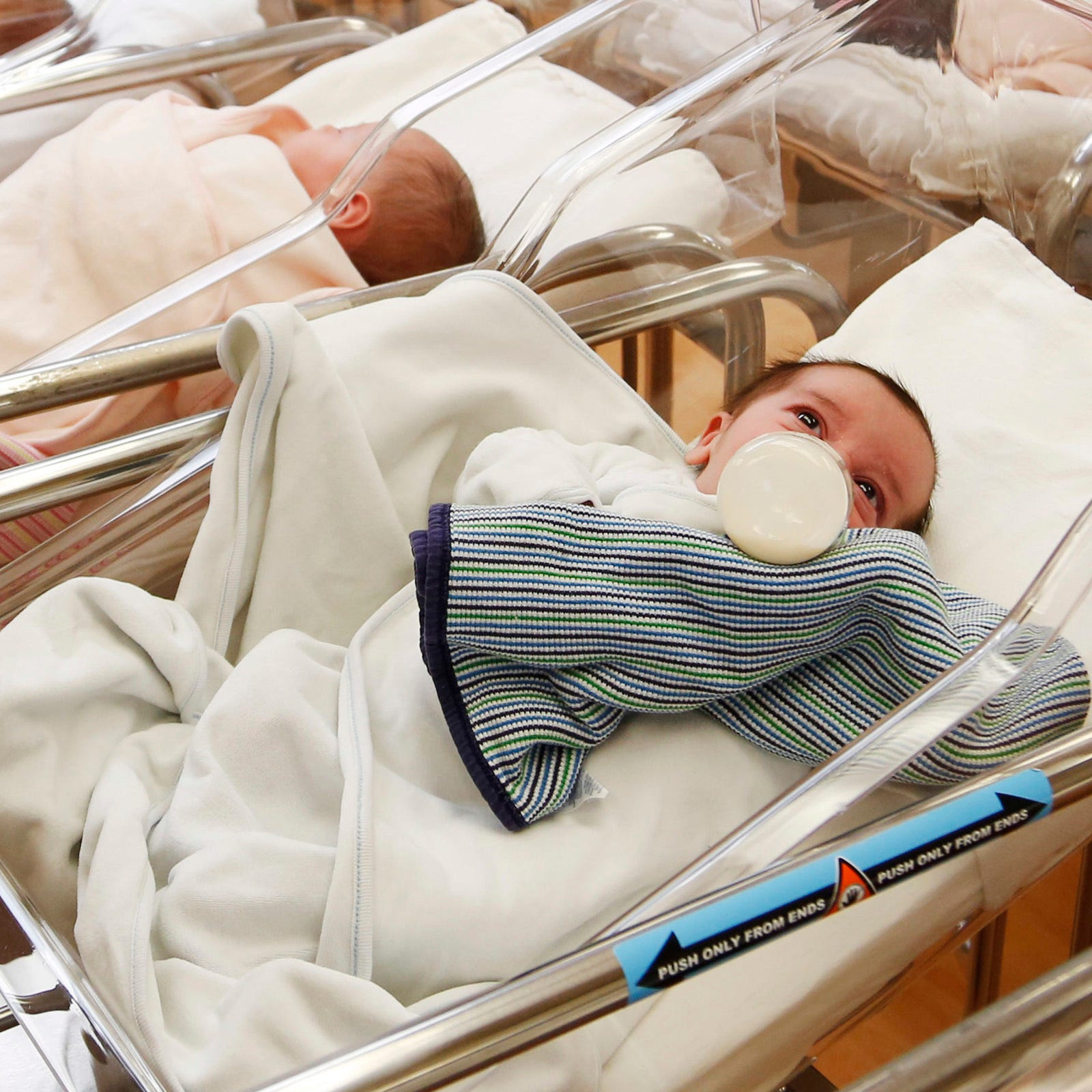 U.S. birth rate continues to fall