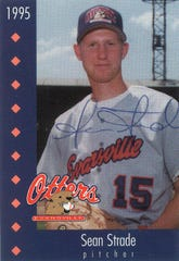 1995 baseball card of Otters pitcher Sean Strade.