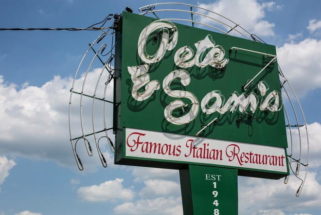 Pete & Sam's Restaurant in Memphis, Tennessee