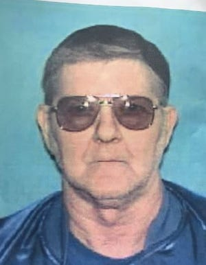 Larry Vinson was shot in killed on Jan. 2, 2001, outside a United States Postal Service Mail Annex. Investigators are still looking for a suspect.