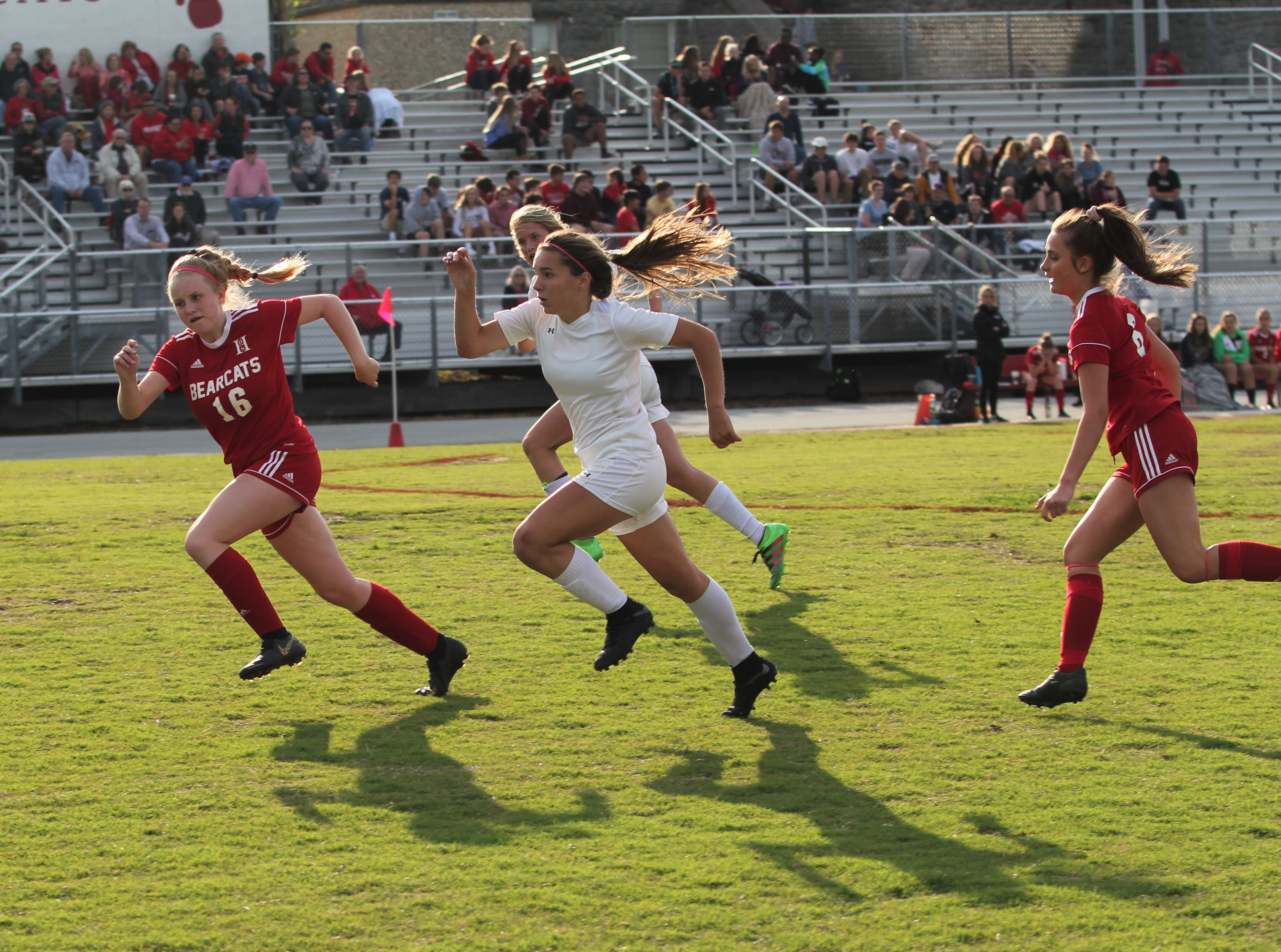 Warlassies fall in third round to Hendersonville