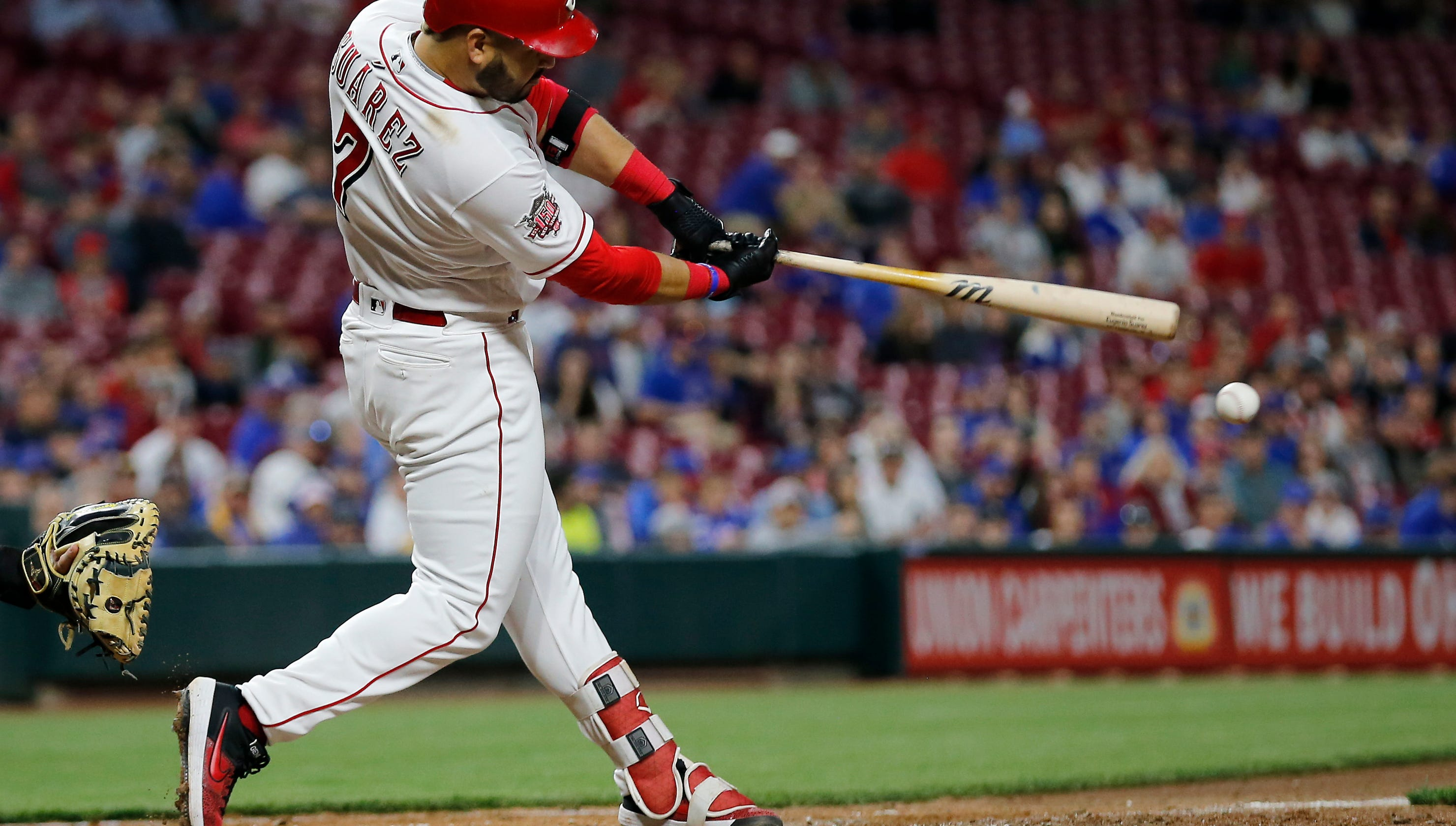 095fe4851 Cincinnati Reds third baseman Eugenio Suárez ignites the middle of the  lineup