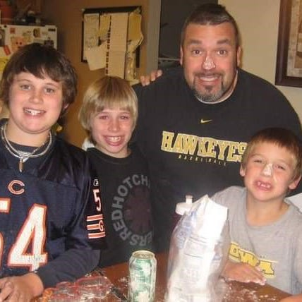 A father's promise of sobriety to his 3 sons is behind launch of West Des Moines restaurant
