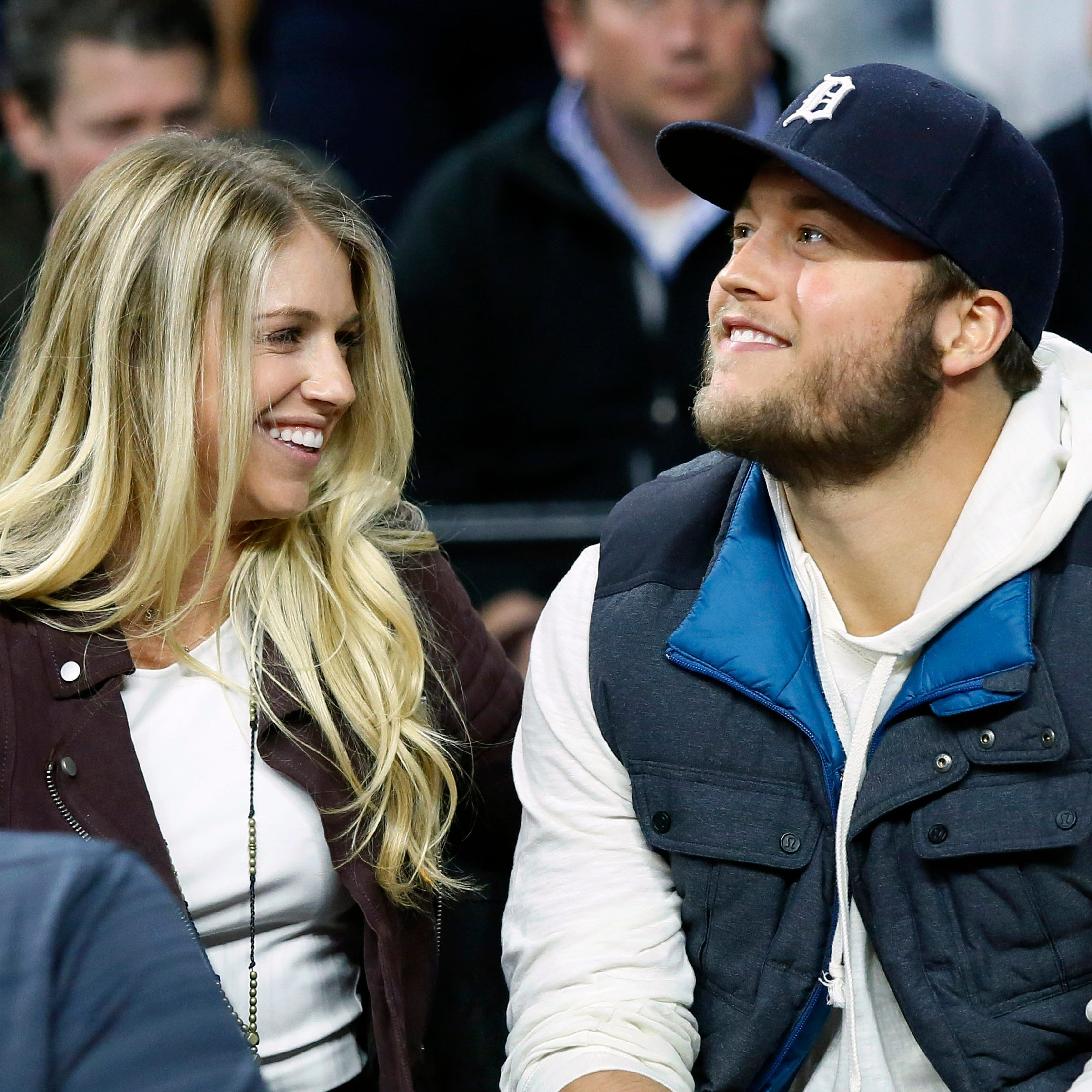 Lions' Matthew Stafford: Wife Kelly has 'leaned on' public support after surgery