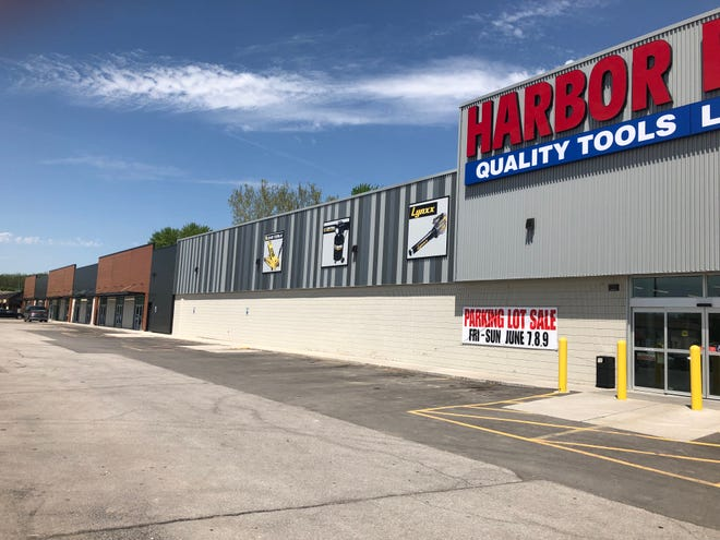 Harbor Freight Tools occupying much of the space where Paul's Discount used to be.
