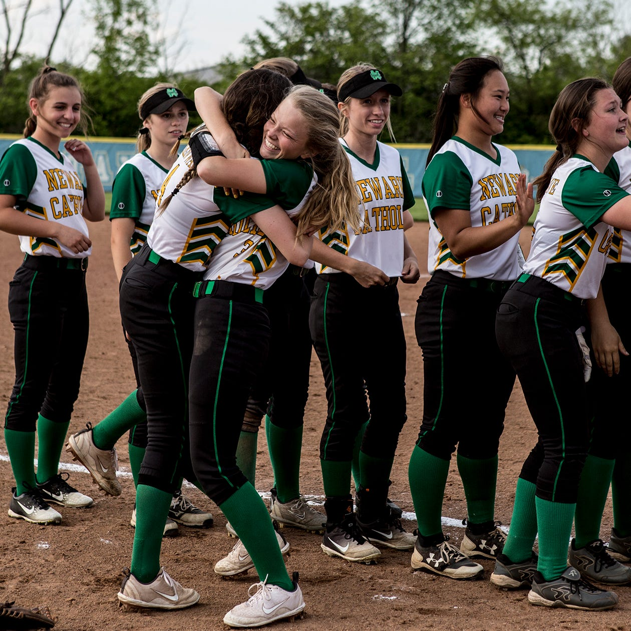 Newark Catholic softball moves to district final with Ridgedale win