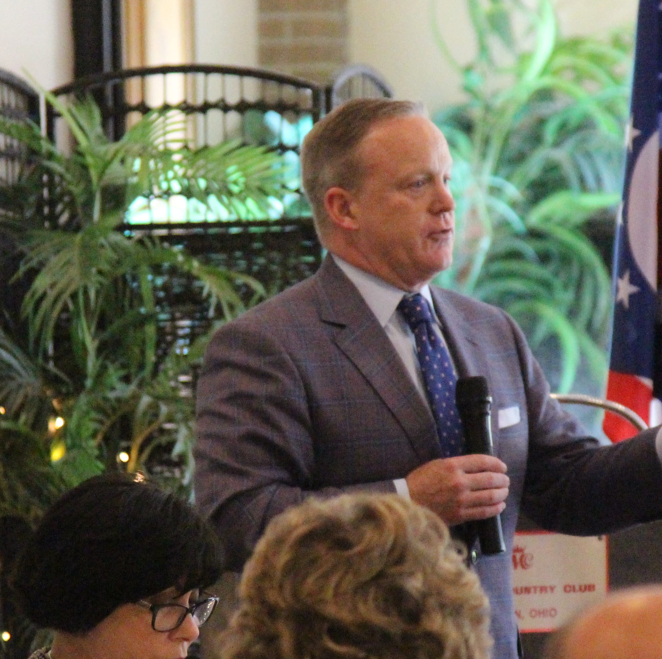 Spicer comes to Marion, talks Trump re-election
