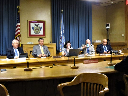 The Public Health and Safety Committee voted 3-0 to approve Bartlett's nomination to move forward in a vote by the full Fire and Police Commission.