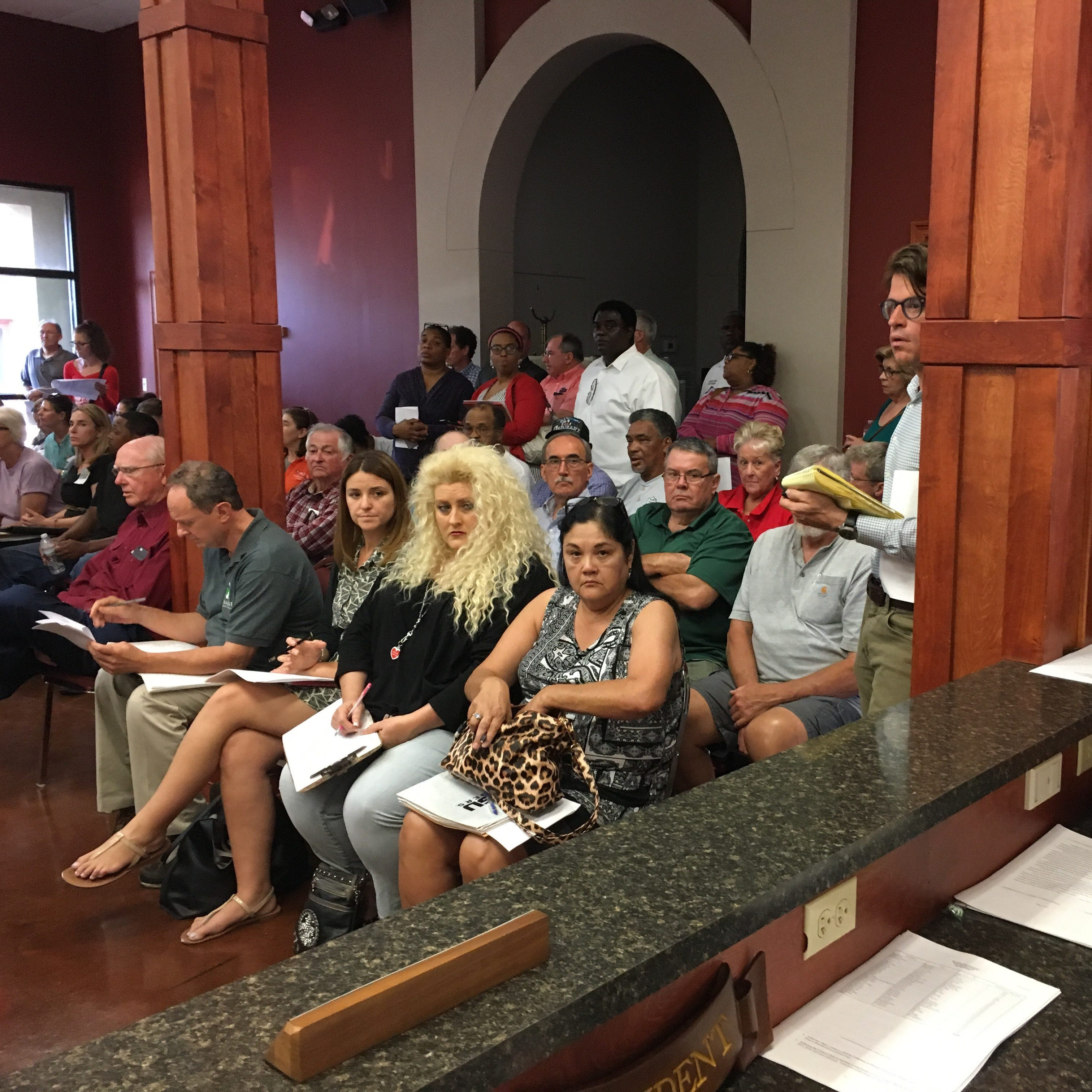 Public comes to defense of St. Landry Parish animal shelter director