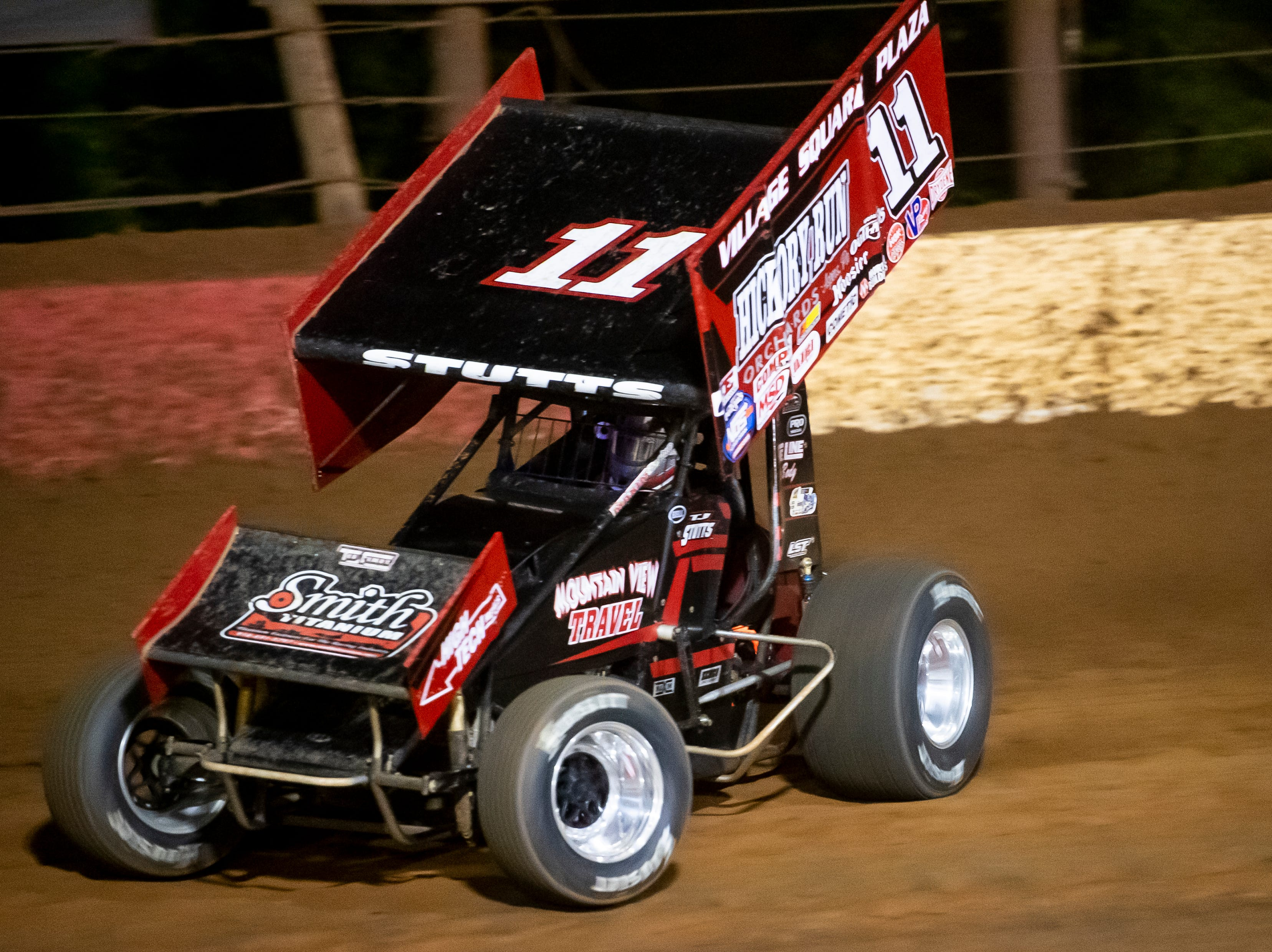 T.J. Stutts races the number 11 car in the Last Chance Showdown during the World of Outlaws Gettysburg Clash at Lincoln Speedway in Abbottstown on Wednesday, May 15, 2019.