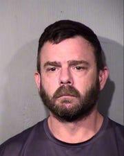Jason Monroe Smith, de 48 años, se encuentra bajo custodia.