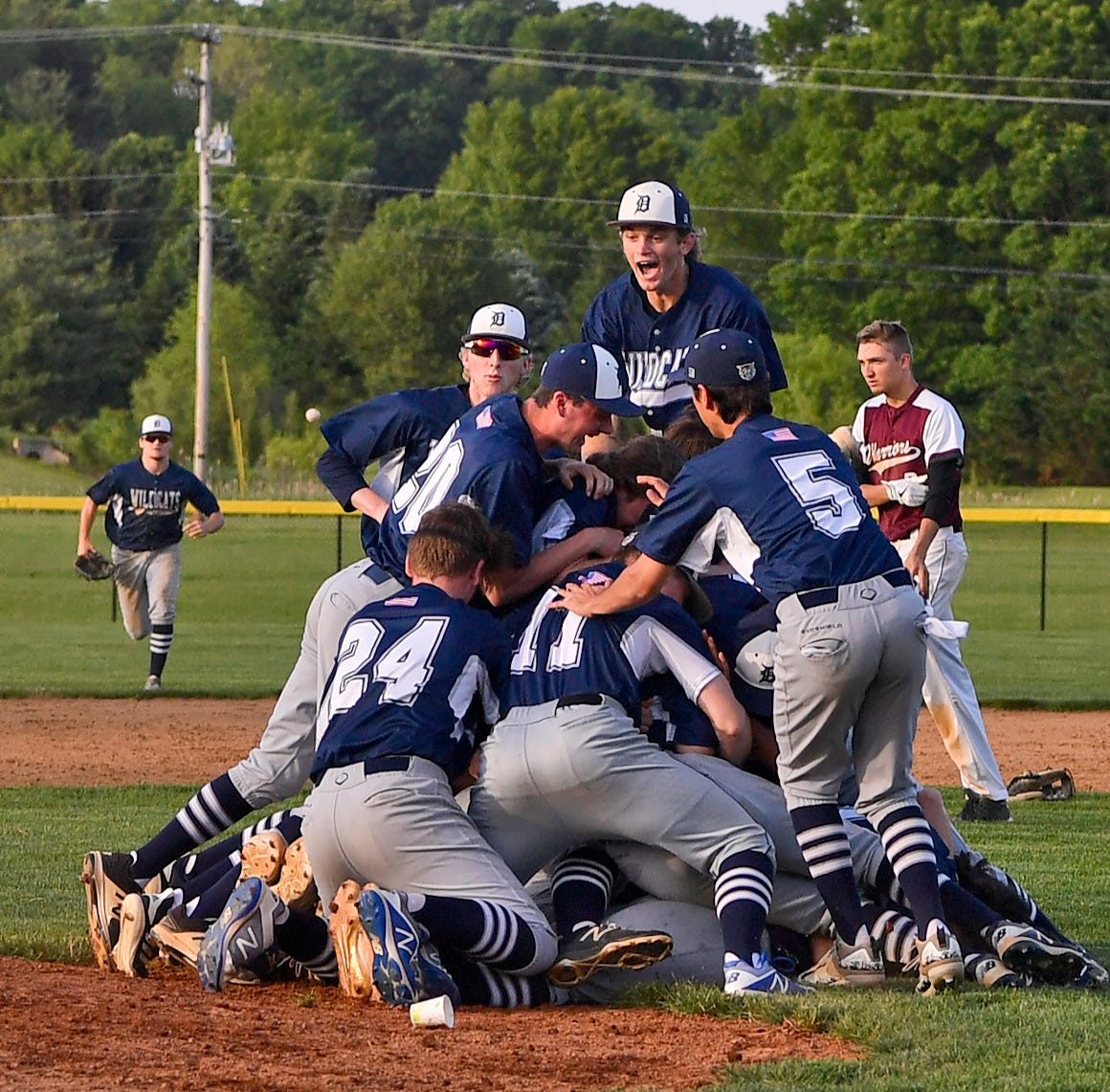 Stellar start carries Dallastown over Gettysburg in York-Adams League baseball title game