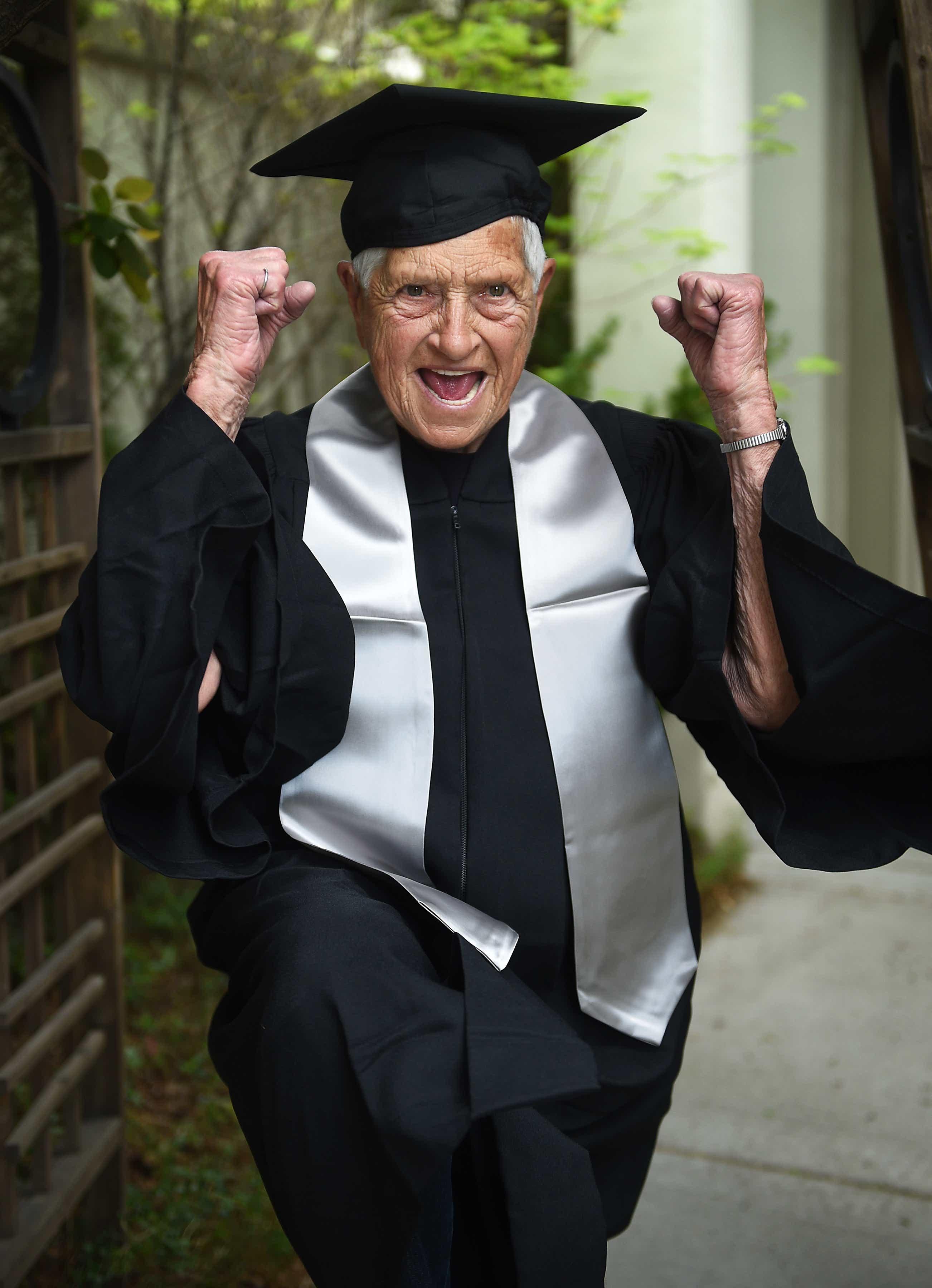 Unr Spring Graduation 2020.Watch 90 Year Old Dorismae Weber Finally Walks For Unr Diploma