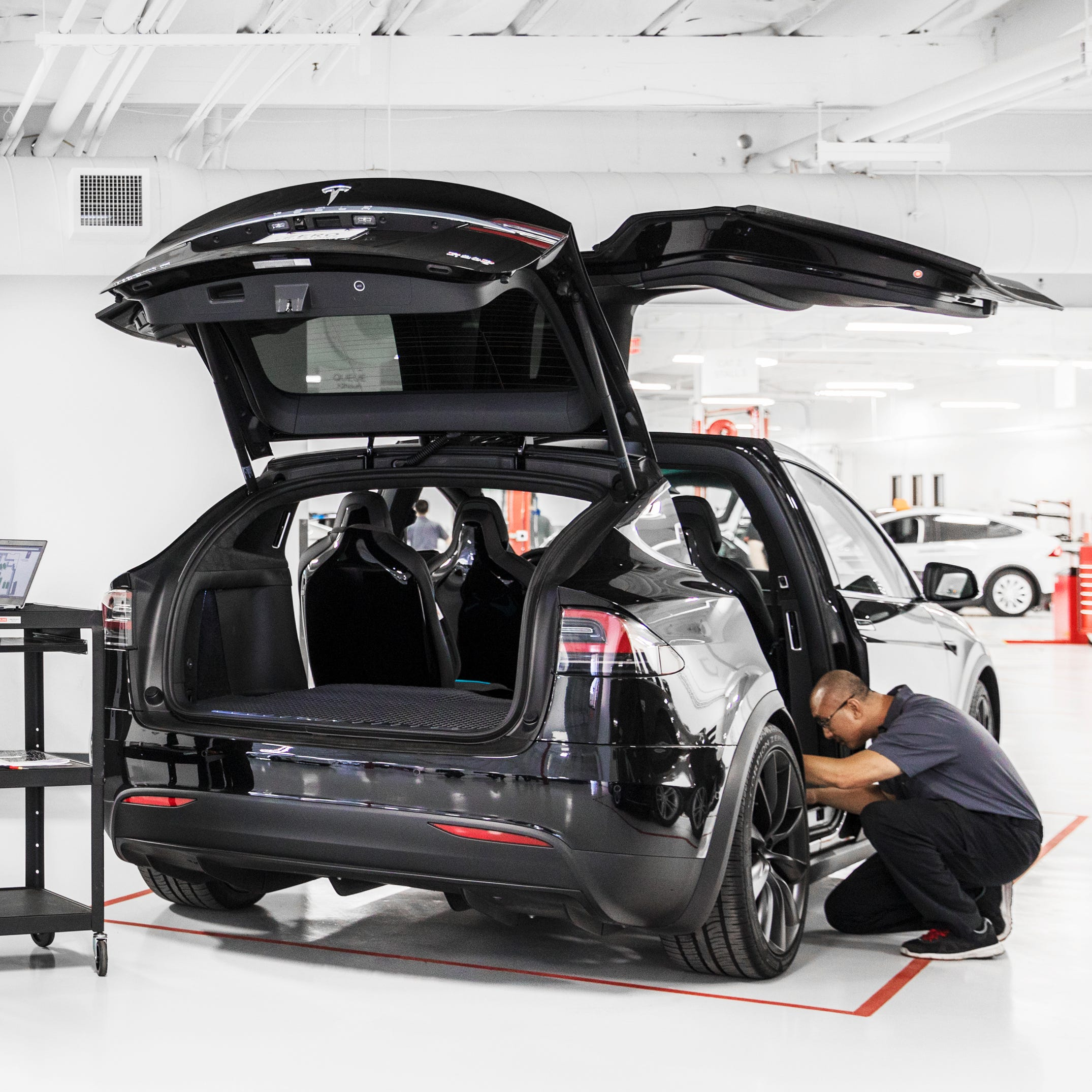 Tesla Reno service center officially opens, taking appointments