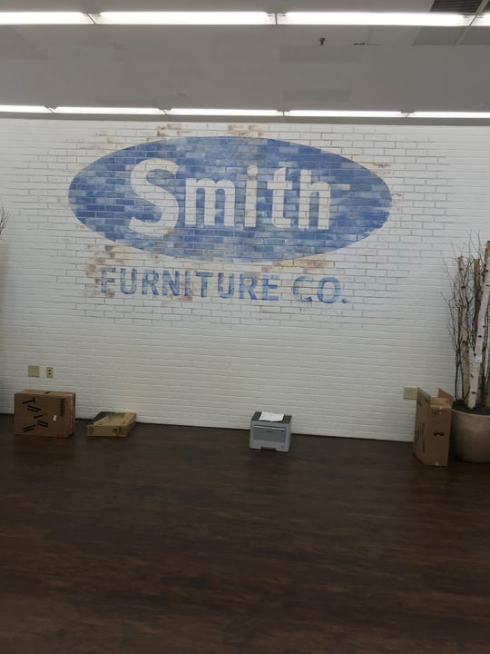 Ivan Smith Furniture is opening a new location in Shreveport.