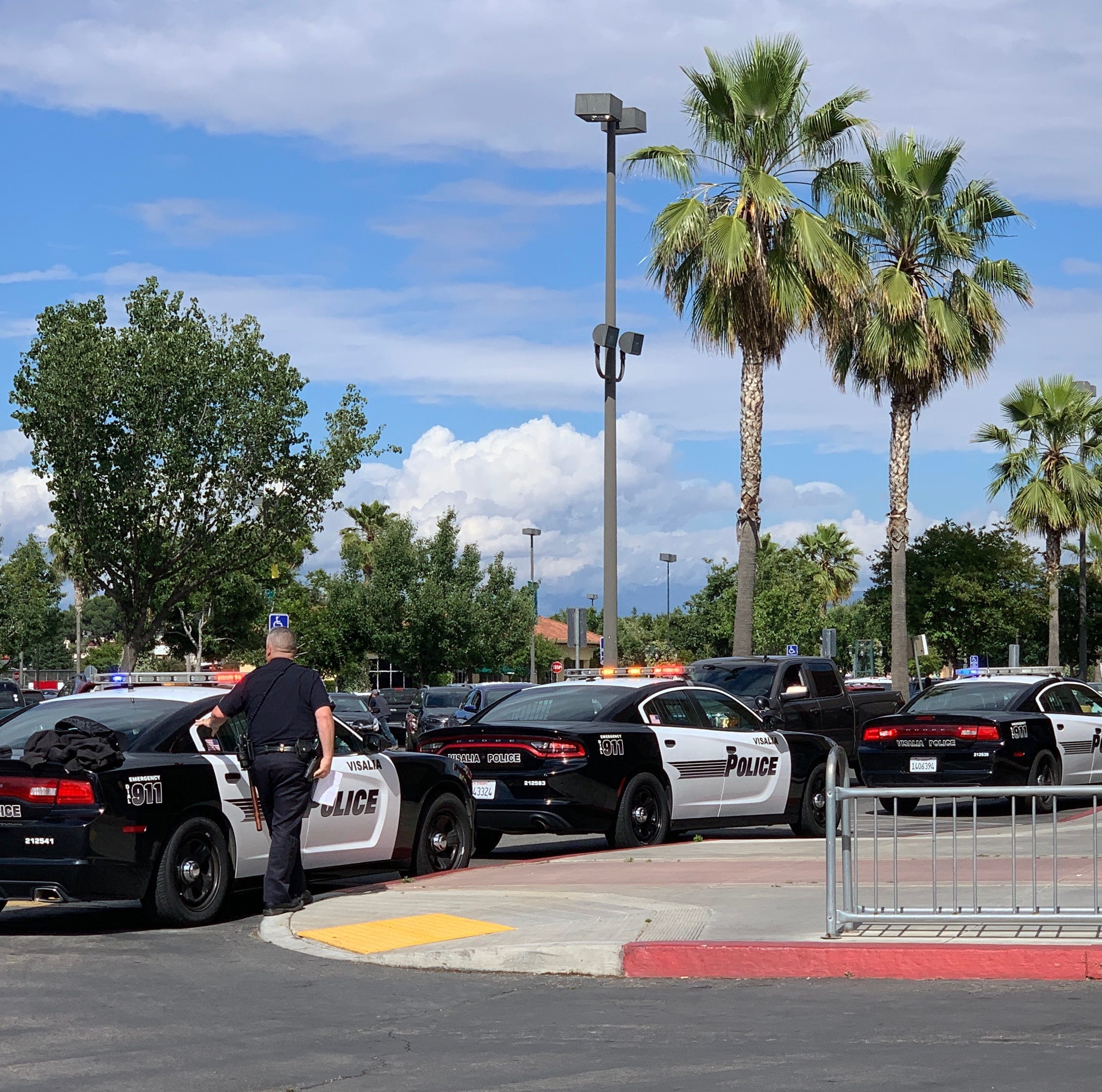 Off-duty Visalia police officer helps bring down accused Save Mart robber