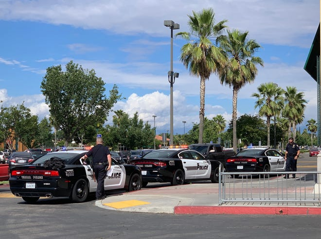 Visalia police arrested a man accused of trying to rob a cashier at Save Mart on Noble Avenue.