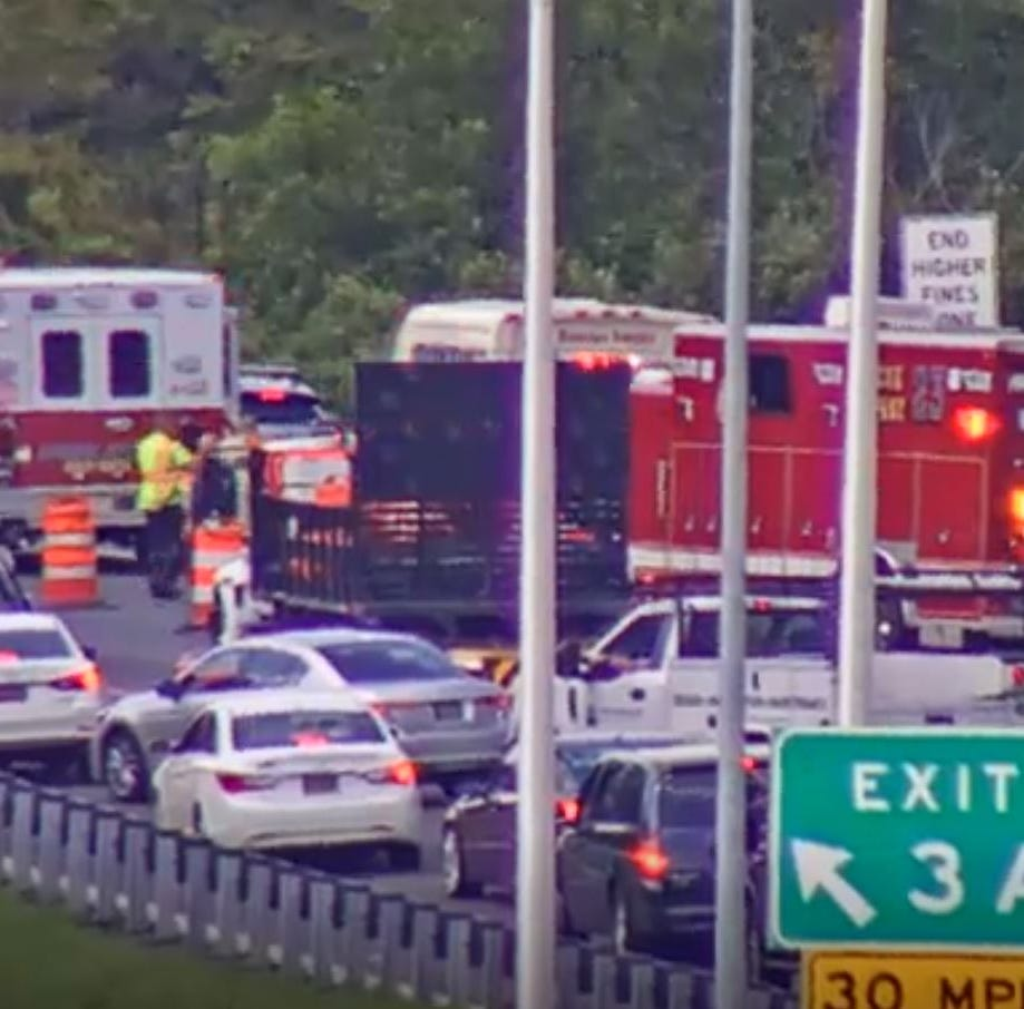 Del. 141 northbound shut down at I-95 ramp two-bus crash